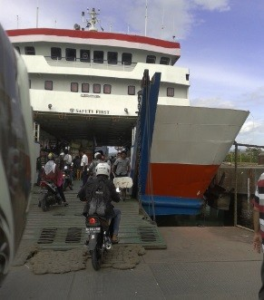 Inilah Daftar Harga Tiket Sepeda Motor Roda 2 Kapal Laut Penyeberangan Bakauheni Merak Travel 7 Saudara